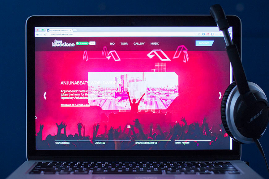 Ilan Bluestone's website on desktop.