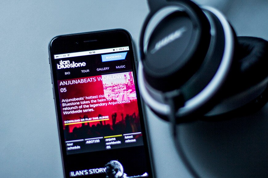 Ilan Bluestone's website on mobile.