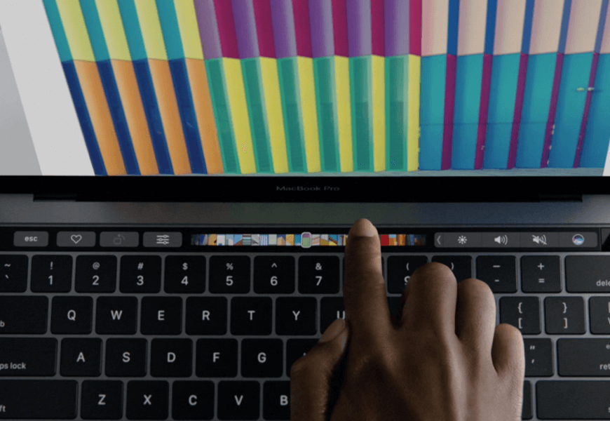 Apple MacBook Pro - TouchBar being used on the Photos app
